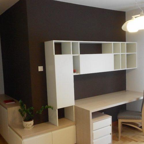Biblioteka i radni sto, kombinacija furniranog i bojenog medijapana