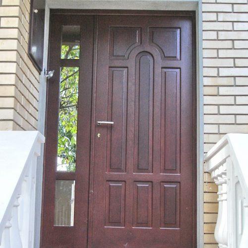 Dvokrilna drvena ulazna vrata